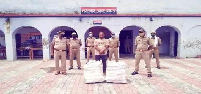 Shravasti News : कार से 50 किलो गांजा बरामद, एक गिरफ्तार