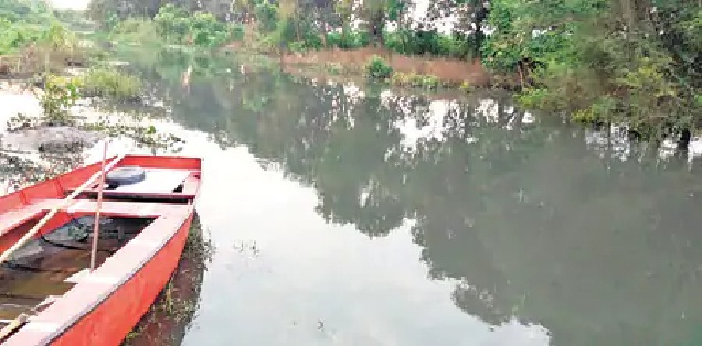 Basti News : जहरीला हुआ मनवर नदी का पानी, एनजीटी से हुई शिकायत