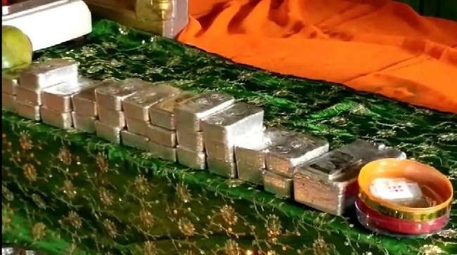 Ayodhya News : राम मंदिर को दान में मिली करीब 34 किलो चांदी की ईंट