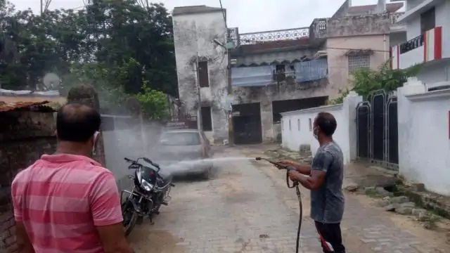 Gonda News : आजाद नगर मोहल्ले को कराया गया सेनेटाइज