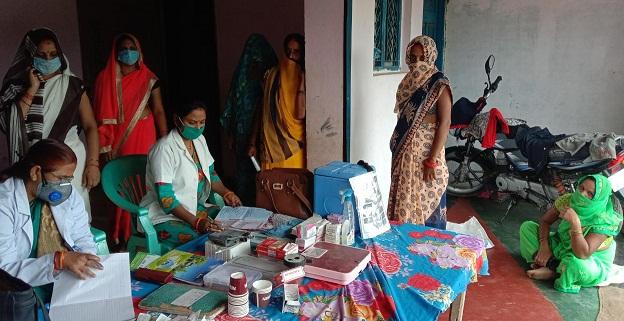 Gonda News : CHC मनकापुर के अंतर्गत VHSND सत्र आयोजित