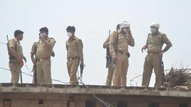 UP News : चौबेपुर थाने के 68 पुलिस कर्मियों पर गिरी गाज