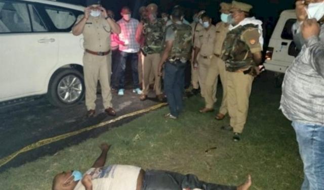 पुलिस मुठभेड़ में एक बदमाश को गोली लगी, दो गिरफ्तार