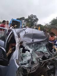 ट्रक व कार की टक्कर में एयर फोर्स का पायलट घायल