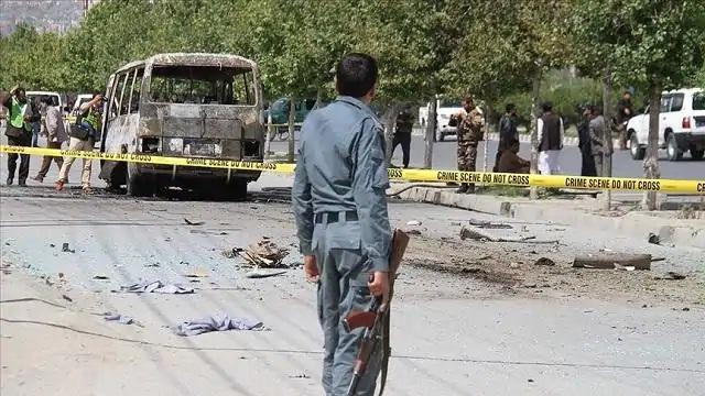 सड़क किनारे बम विस्फोटों में 14 लोगों की मौत