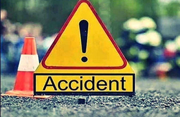 यूपी के इटावा से अहमदाबाद जा बस उज्जैन के पास पलटी, दो की मौत, 30 से अधिक घायल