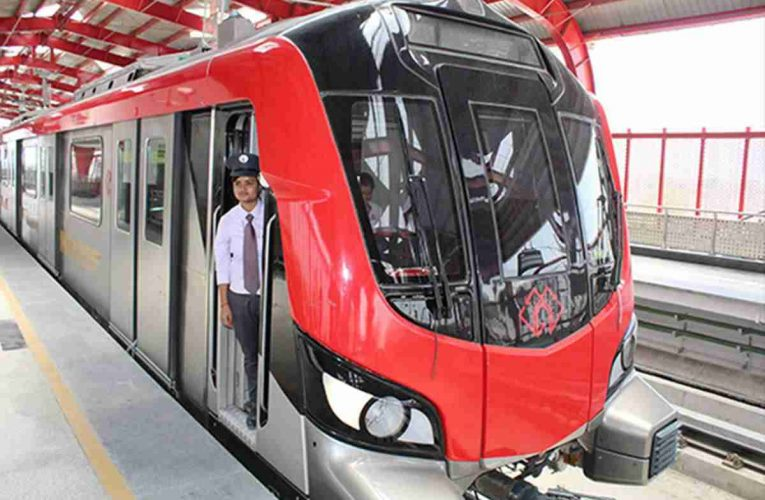 यूपीएमआरसीएल ने मेट्रो ट्रेन ऑपरेटर को 'एंप्लॉय ऑफ द मंथ' पुरस्कार से किया सम्मानित