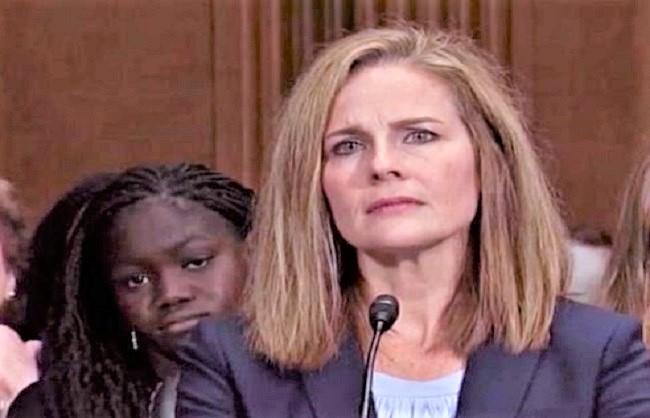 ट्रम्प ने एमी कोनी बैरेट को सुप्रीम कोर्ट में न्यायमूर्ति के पद पर मनोनीत किया