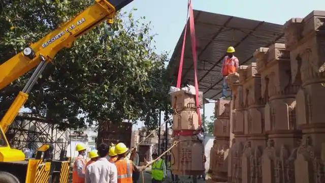 Ayodhya News:राम मंदिर निर्माण को लेकर कार्यशाला में हलचल तेज