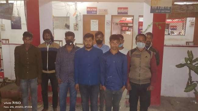 UP News:एसएससी की परीक्षा में आठ मुन्नाभाई समेत नौ गिरफ्तार
