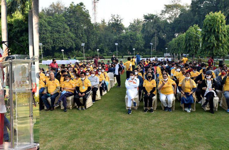 लखनऊ विश्वविद्यालय की 100 वर्ष की यात्रा को बनाएं यादगार : आनंदीबेन