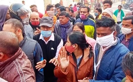 Lucknowअपर नगर आयुक्त डॉ.अर्चना द्विवेदी से अभद्रता करने पर पूर्व पार्षद के खिलाफ एफआईआर