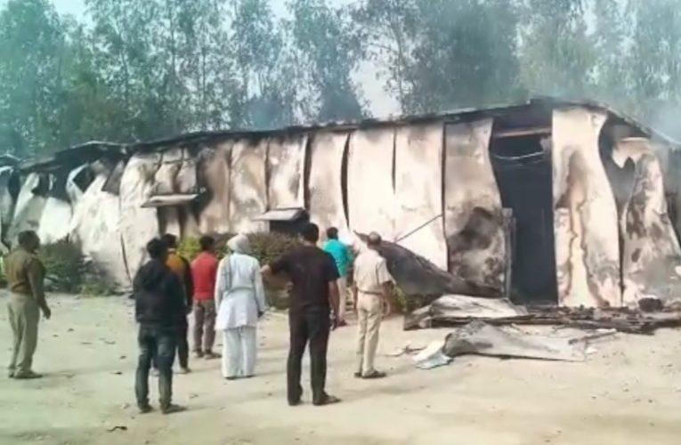 UP News :पूर्वांचल एक्सप्रेसवे पर दूधिया की मौत के बाद आगजनी मामले में 80 अज्ञात ग्रामीणों के विरुद्ध केस दर्ज