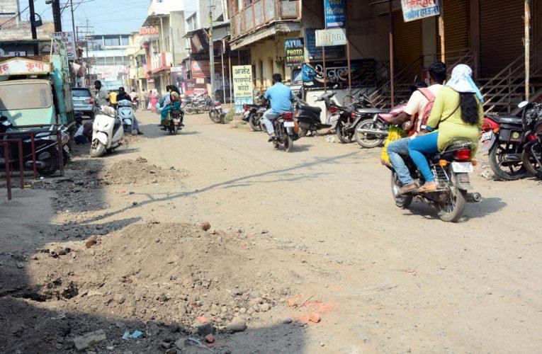 UP News : ऊर्जा मंत्री श्रीकान्त शर्मा का प्रियंका वाड्रा पर पलटवार, कहा टिप्पणियां राजनीति से प्रेरित