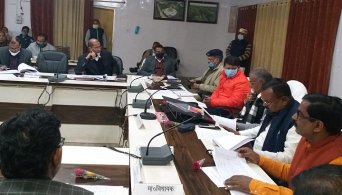 Shravasti News:विकास के लिए आया 90 फीसद धन खर्च, प्रभारी मंत्री ने की समीक्षा