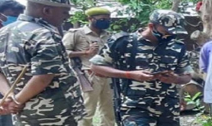Shravasti News:गश्ती वन टीम पर वन माफियाओं का हमला, दो जख्मी