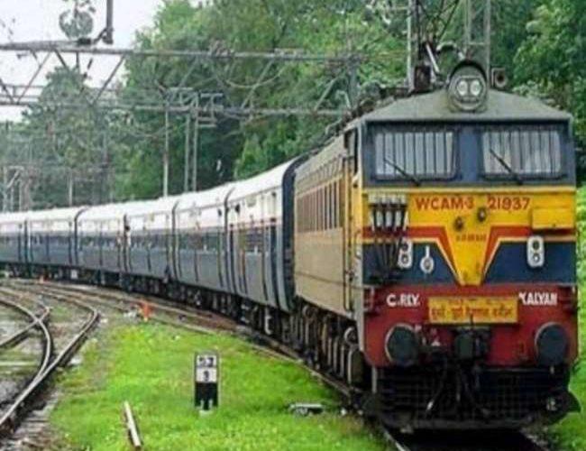 नये साल की पहली तारीख से गोरखपुर – हटिया एक्सप्रेस ट्रेन का बदलेगा समय