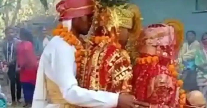 इसलिए युवक ने एक ही मंडप में रचाई दो युवतियों से शादी!