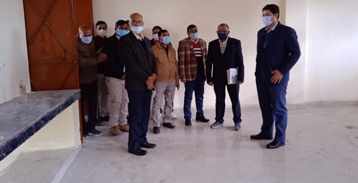 Bahraich News:डीएम ने किया निर्माणाधीन वीवी पैट भवन का निरीक्षण