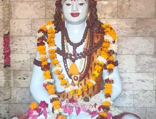 बलरामपुर : गुरु गोरक्षनाथ जी को खिचड़ी चढ़ाने के लिए देवीपाटन में लगा श्रद्धालुओं का तांता