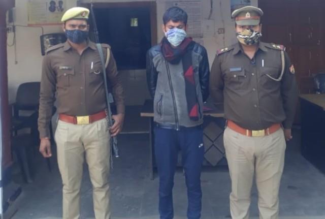 लखनऊ यूनिवर्सिटी में बमबाजी करने वाला एक युवक गिरफ्तार