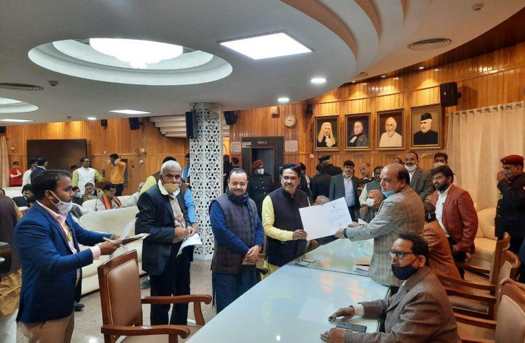 विधान परिषद चुनाव: भाजपा के सभी दस व सपा के दोनों उम्मीदवार निर्विरोध निर्वाचित