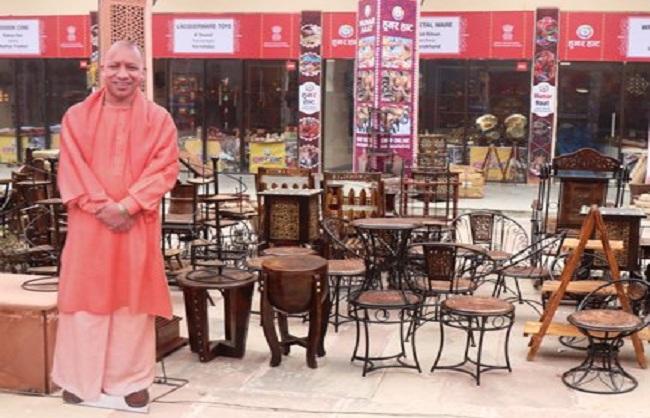 Lucknow news : केन्द्रीय मंत्री नकवी ने अवध शिल्पग्राम में की 24वें हुनर हॉट की शुरुआत