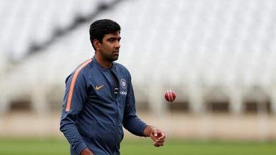 Sport : टेस्ट क्रिकेट में 800 विकेट ले सकते हैं अश्विन : मुरलीधरन