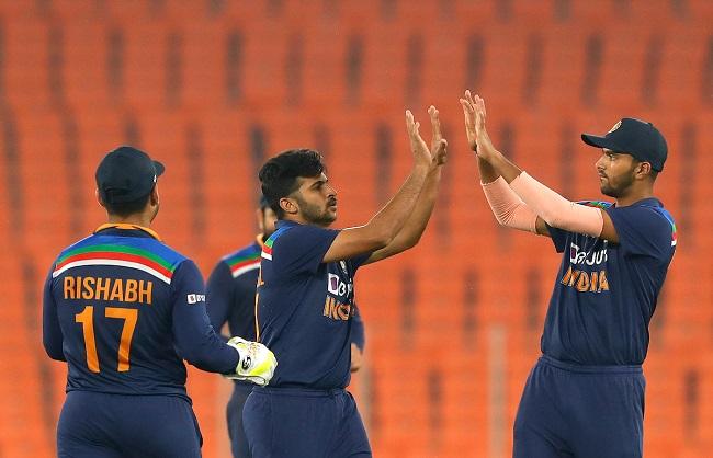 Sport News : भारत ने आखिरी टी-20 मुकाबले में इंग्लैंड को 36 रन से हराया