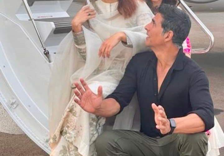 अभिनेता अक्षय कुमार रामसेतु की शूटिंग के लिए अयोध्या पहुंचे