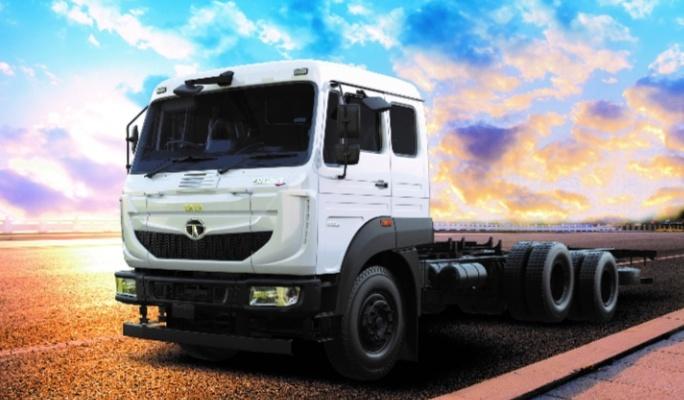 व्यापार : टाटा मोटर्स ने लॉन्च किया नया ट्रक, वजन 31 टन
