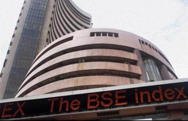 व्यापार : बैंकिंग सेक्टर ने बाजार को संभाला, सेंसेक्स 50 हजार के पार