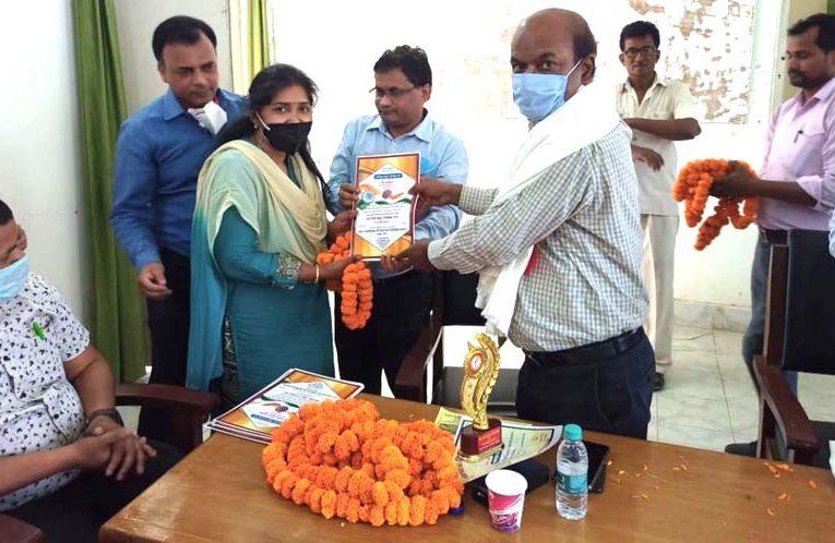 बस्ती : कोरोना की दूसरी लहर से निपटने के लिये तैयार रहें चिकित्सक : डा. अनूप कुमार श्रीवास्तव