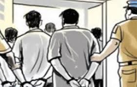 UP News : गोलियों की तड़तड़ाहट से गूंजा सीतापुर, पूर्व प्रधान समेत चार गिरफ्तार