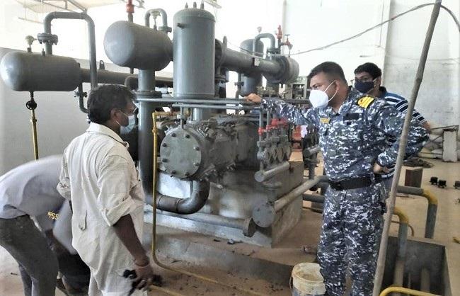 राज्य : नौसेना ने आंध्र प्रदेश में चालू किये दो ऑक्सीजन प्लांट