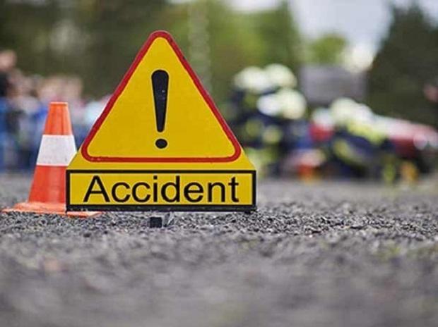 UP News : कार की टक्कर से कारोबारी की मौत