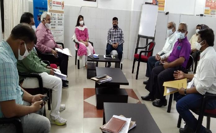 Balrampur News: प्रतिदिन हो कलस्टर टीकाकरण अभियान की समीक्षा-डीएम