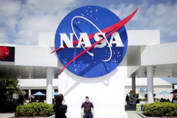 विज्ञानं एवं तकनीक : नासा ने बनाया उल्कापिंड को डिटेक्ट करने वाला सेटेलाइट