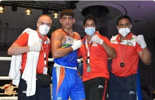 एशियाई मुक्केबाजी : संजीत कुमार ने जीता स्वर्ण, अमित पंघाल और शिव थापा को रजत