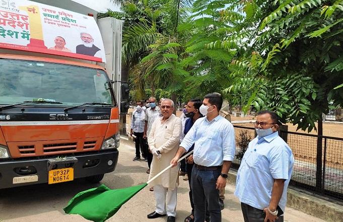 Gonda News:प्रचार वाहन को CDO ने दिखाई हरी झण्डी