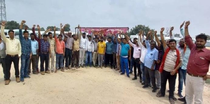Balrampur News: तीसरे दिन भी जारी रही एंबुलेंस चालकों की हड़ताल