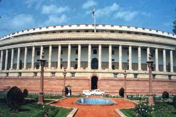 नई दिल्ली : हंगामे की भेंट चढ़ा पहला हफ्ता अब संसद में कई अहम बिल पेश करने को तैयार सरकार
