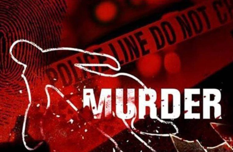 सीतापुर : दोहरा हत्याकाण्ड-महिला का सिर काटकर व युवक का खून से लथपथ शव मिला