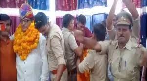 बस्ती : निलंबित एसएचओ को विदाई देने वाले यूपी के 14 पुलिसकर्मियों के खिलाफ कार्रवाई