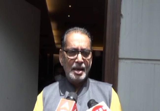 कानपुर  : कोविड महामारी को पछाड़ कर उप्र बढ़ रहा आगे : राधा मोहन