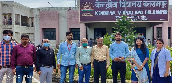 Balrampur News: किशोर स्वास्थ्य मंच के बैनर तले जागरूक की गईं बालिकाएं