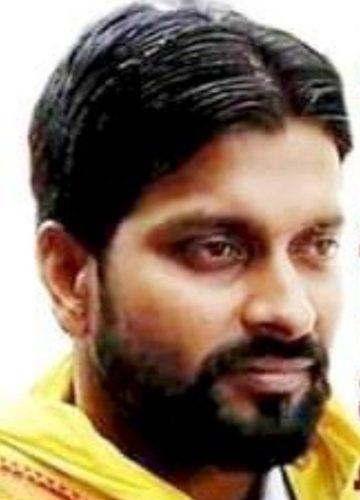 UP News : भाजपा नेता पर हमले के जिस आरोपी को ढूंढ रही है पुलिस, पार्टी ने बनाया जिला उपाध्यक्ष
