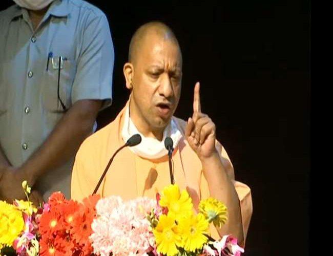 मुख्यमंत्री योगी का पूर्ववर्ती अखिलेश सरकार पर हमला, राज्य के लिए नहीं परिवार के लिए होता था काम