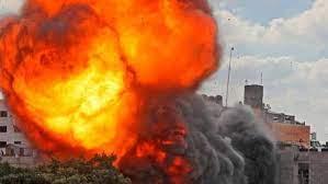लखनऊ : प्लास्टिक फैक्टरी में लगी आग