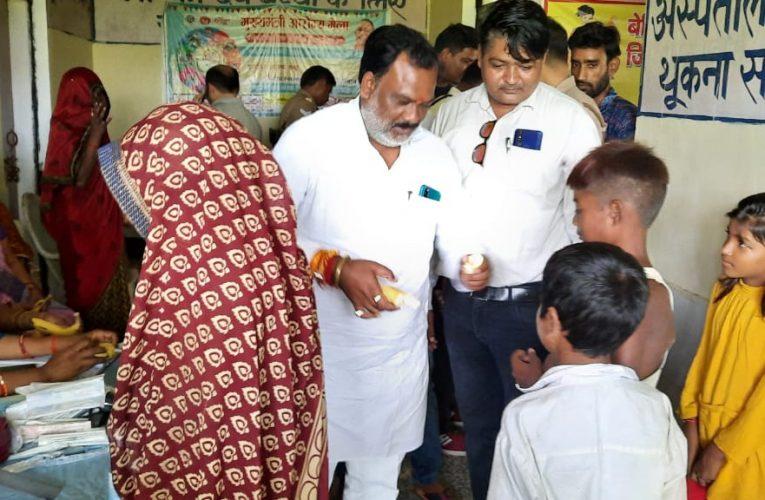 फिरोजाबाद के 67 स्थानों पर लगे आरोग्य मेले, 4180 मरीजों का किया गया इलाज